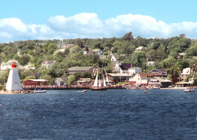 baddeck-from-water